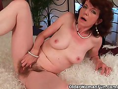 Mature mom with gradual crotch added to armpits fucked deep