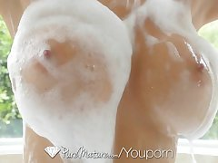 PureMature - Hot Milf Alexis Fawx making a potter in rub-down the bath