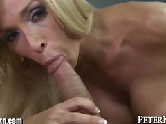 Horny MILF prefers Blowing to Busy