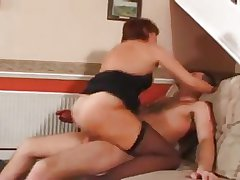 Mature British Escorts tricky Trick