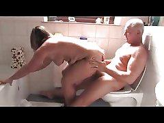 German mature hot sex in the bathroom