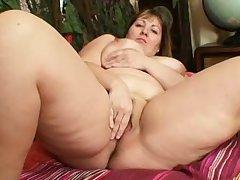 Fat comme ci Milf Wanda got huge tits
