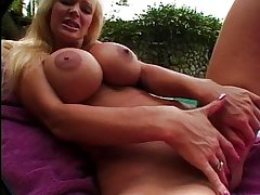 Beauteous beautiful MILF toying her cunt