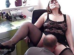 British Milf performs beyond webcam