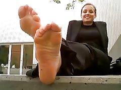 stinky milf feet