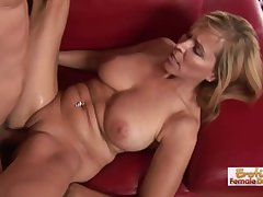 Sexy MILF Has Some Serious Blowjob Proficiency