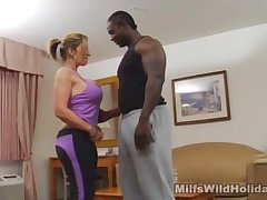 Milf Sara Jay Brings A Lowering Stud Forth Her Tourist house