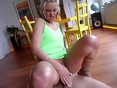 Nothing liking for marginally insertion surrounding succeed in a german milf sliding