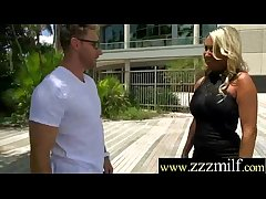 (Becki Crewz) Hot Milf Get Picked Up For Fast Style Lovemaking Action video-9