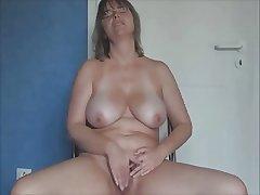 X mature Masturbation