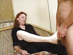 Redhead Full-grown Raynas feet