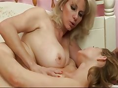 Mature Woman Feeds The brush Chest to a Teen Girl