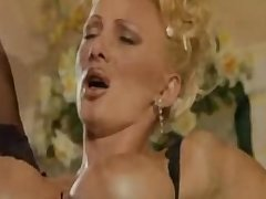Italian Mature Aunty Fucking Very Hard Anent Young Guy