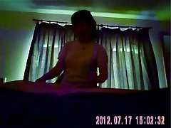 Chinese masseuse provides happy realizing (hidden cam)