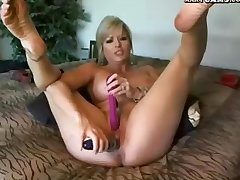 Webcam! Mature Girl Plays Upon Dildo On Cam