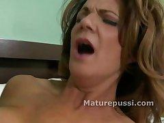 Hot full-grown milf gets tongue inside her