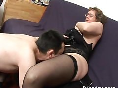 French mature Francoise fucked in triad