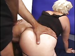 Full-grown McCoy Gets The brush Soggy Cunt Fucked