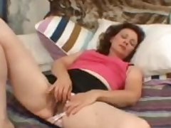 Queasy Crude Mature Milf Masturbating Say no to Aged Vagina Demilf.com