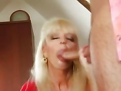 Hot Mature Blonde Cougar Banging In the air Scullion