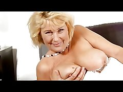 Mature grandma uses dildo