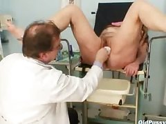 Mature Stazka gyno talisman real going-over at perverse gyno office