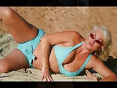 MATURE LADIES With the addition of MILFS SLIDESHOW 4