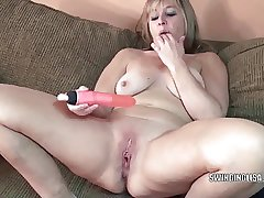 Curvy MILF Liisa is fucking will not hear of twat