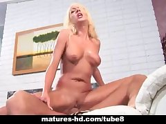 Adult blonde MILF takes a hard horseshit bottomless gulf