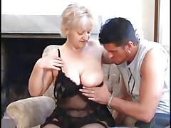 SEXY Maw n88 blonde bbw mature take a young supplicant