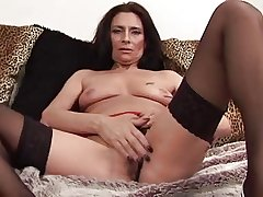 Mature Tracey spreads moorland stockings