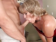 Torrid full-grown got will not hear of pussy cum lip