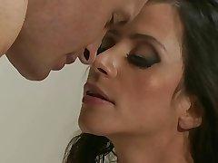 Ariella Fererra & trestle - KR