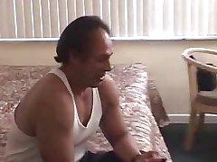 HOMEMADE MATURE HORNY COUPLE  Part 1