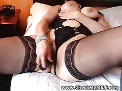Sexy BBW MILF veld stockings playing with gewgaw