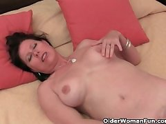 Ma all round big tits plus hairy pussy masturbates
