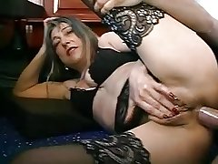 FRENCH Grown-up WOMAN WITH PIERCINGS FUCKED BY THE PLUMBER