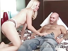 Mature and hairy Heidi Hanson gets cum in the first place the brush bush