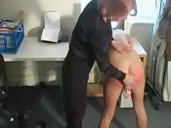 Dirty peaches slut fucks her cunt while getting spanked