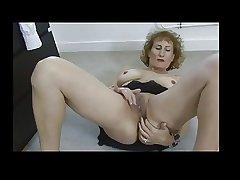 Adult Naomi Masturbates BVR