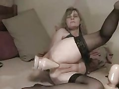 Amateur - Of age Huge Anal Dildoing