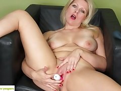 KarupsOW - Zoey Tyler Stuffs Pussy With Pink Toy