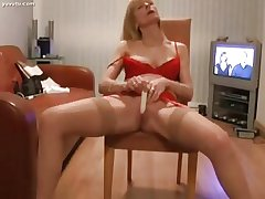 Interesting Mature Gold Vibrating Her Clit to Orgasm