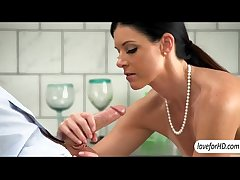 Seductive MILF India Summer uncultured sexual relations with her boy toy