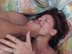 MILF Linda Roberts fucks younger beggar