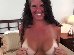 Texas MILF around broad in the beam tits day-star lines