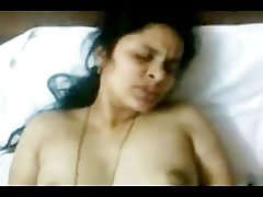 Hot INDIAN TELUGU Aunty Sudha's having it away CLIP 2