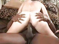 Mature loves burnish apply big ones (cuckold)