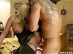 BIG TIT Kermis PORNSTAR ALANAH RAE BOUNTY HUNTER FUCKED COWGIRL