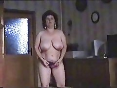 Fine striptease of puristic mature bitch. Amateur older